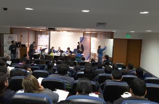 筑波大学協定校、ペルー最高位学府カトリック大学での授業研究
